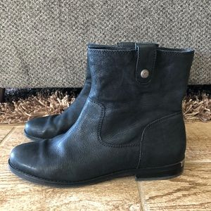 Arturo Chiang Black Ankle Boots
